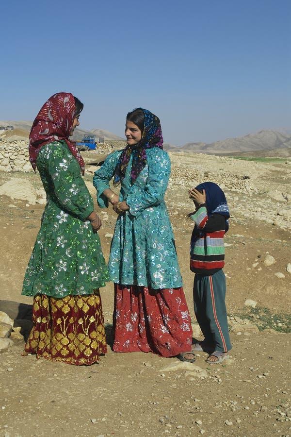 Беседа молодых женщин около Isfahan, Иран стоковое изображение rf