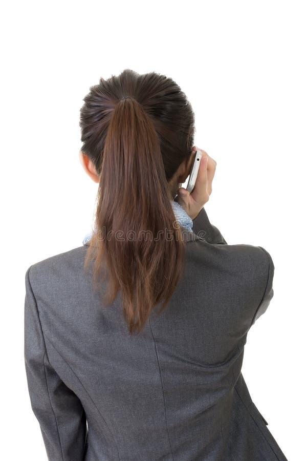 Download Беседа на телефоне, вид сзади Стоковое Фото - изображение насчитывающей повелительница, сообщение: 37925484