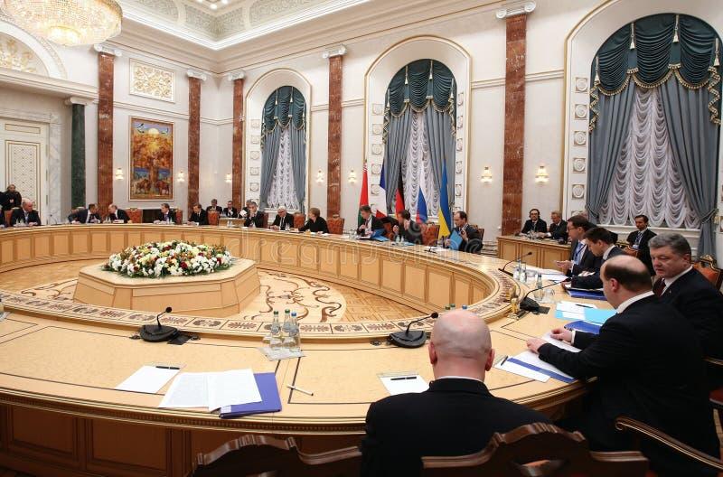 Беседы руководителей положений в нормандском формате в Минске стоковые фото