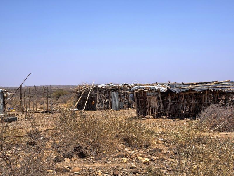 Бесконечные трущобы Somalis, живой в совершенных бедности и отчаянии Afar провинция, Эфиопия стоковое фото