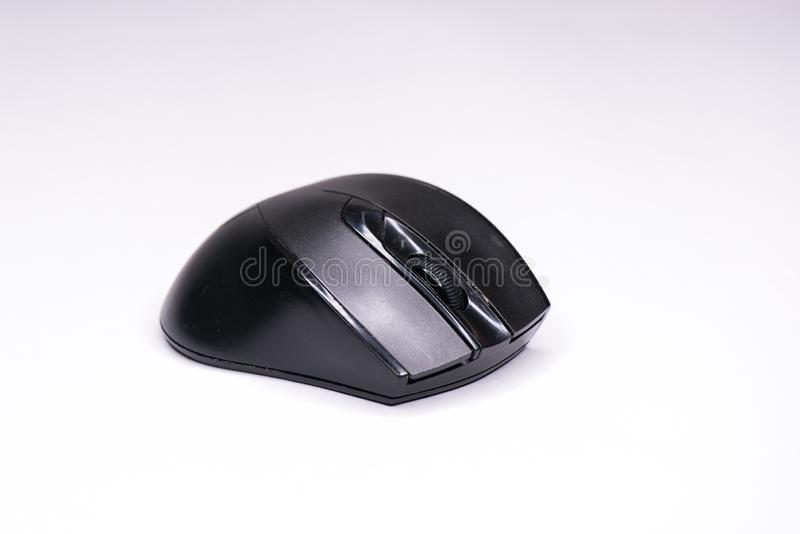 Беспроводная черная мышь компьютера o стоковое изображение