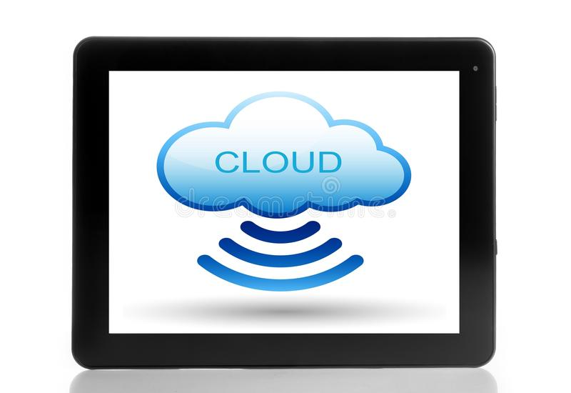 Беспроволочное облак-вычисляя соединение на цифровом ПК таблетки стоковое фото rf