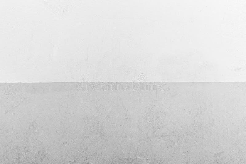 Бетонная стена покрашенная в сером цвете стоковая фотография