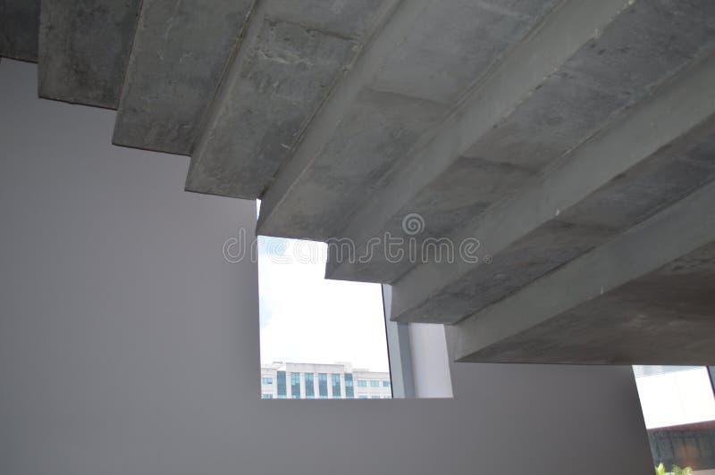 Бетон под лестницами стоковое фото rf