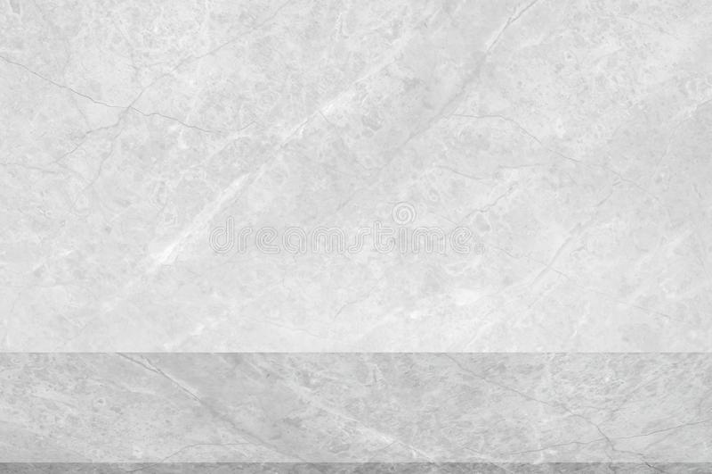 Бетон grunge стены белый со светлой предпосылкой Текстура классн классного грязной светлой стены конкретная и выплеск или абстрак стоковые изображения rf