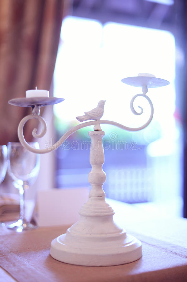 Белая поддержка свечи стоковое фото rf
