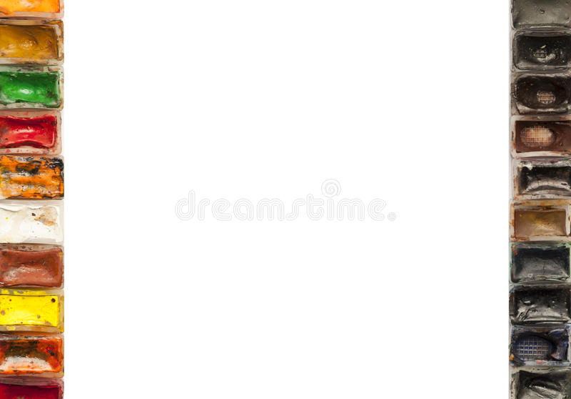 Download Белая предпосылка с красочными старыми используемыми красками акварели на изолированных краях Стоковое Фото - изображение насчитывающей аппаратура, цвет: 81801750