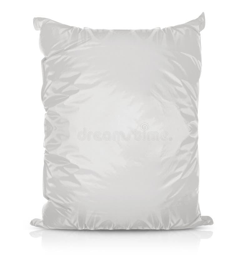 Белая пустая сумка еды фольги стоковые фотографии rf