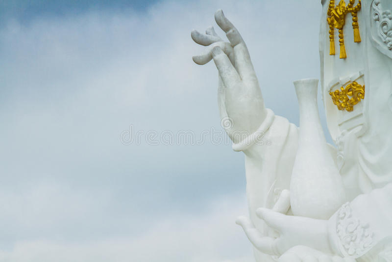 Белая статуя Guanyin стоковые изображения rf
