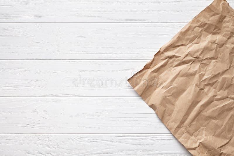 Белая текстура доски предпосылки деревянного стола с постаретым декоративным фоном пергаментной бумаги стоковое изображение rf