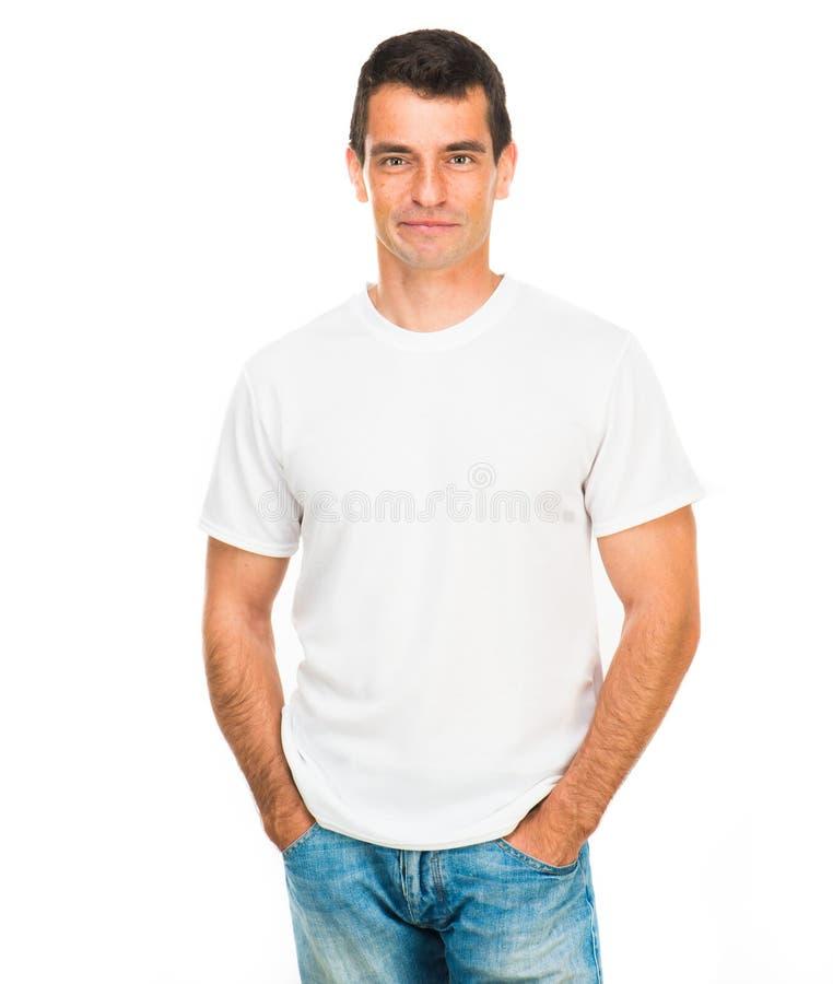 Белая тенниска на молодом человеке стоковые фотографии rf