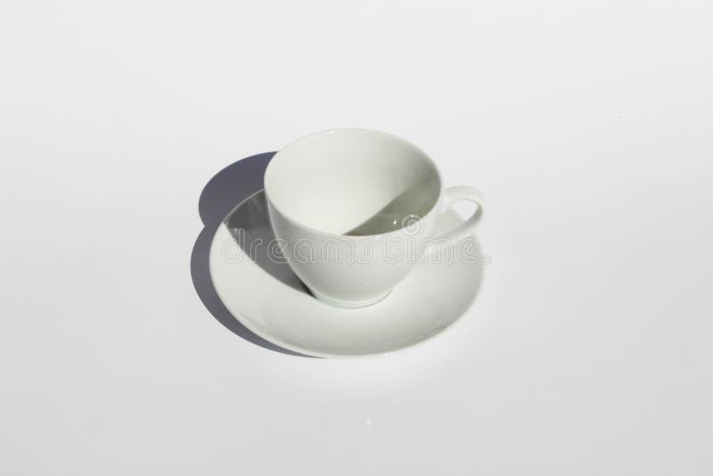 Белая чашка стоковые изображения rf