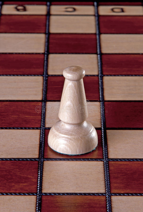 Белая шахматная фигура епископа стоковые изображения