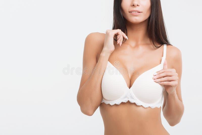 белизна женское бельё девушки предпосылки стоковые изображения rf