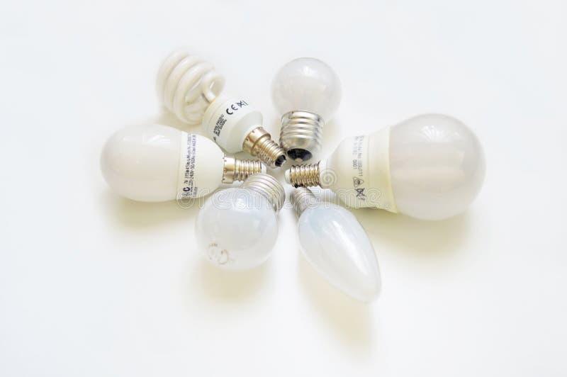 белизна изолированная шариками светлая стоковое изображение