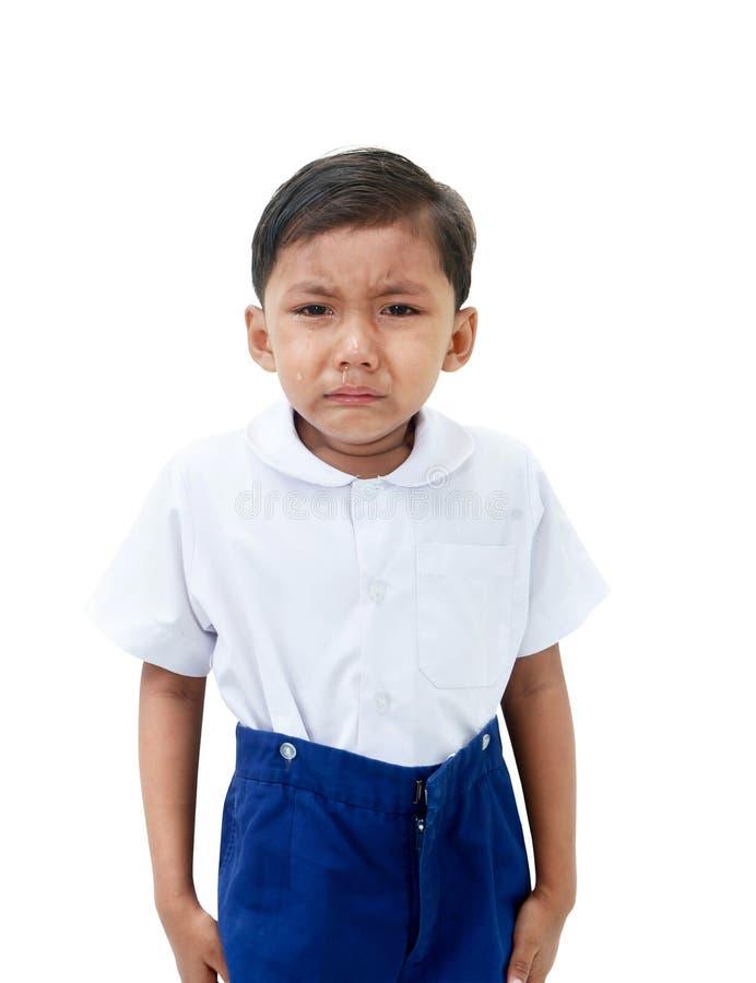 белизна мальчика предпосылки плача изолированная стоковая фотография rf
