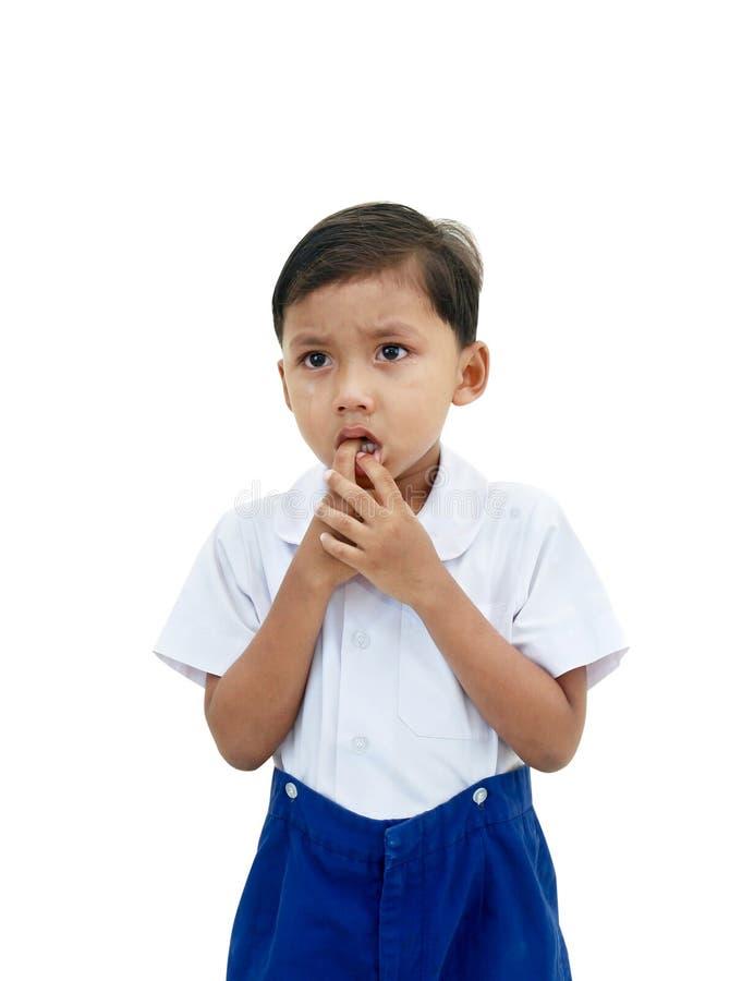 белизна мальчика предпосылки плача изолированная стоковое изображение rf