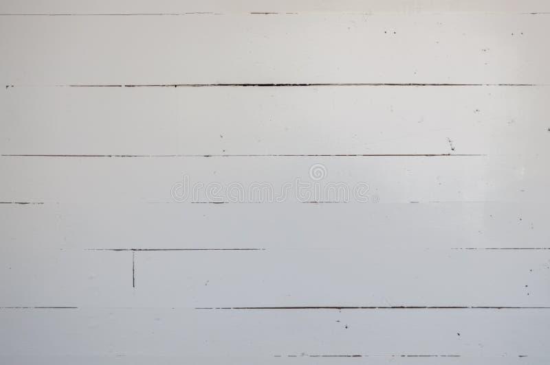 Белизна покрасила доски grunge деревянные в старом сельском доме стоковые изображения rf