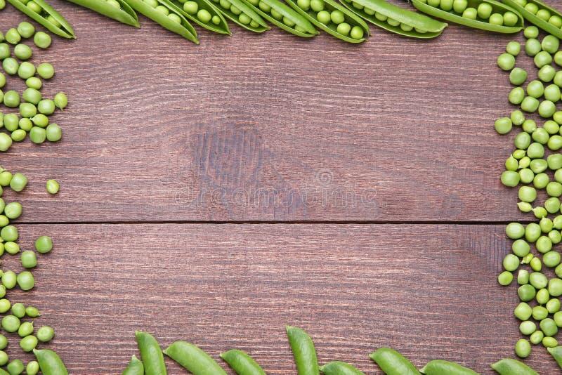 белизна стручка зеленых горохов пуль предпосылки стоковые фото