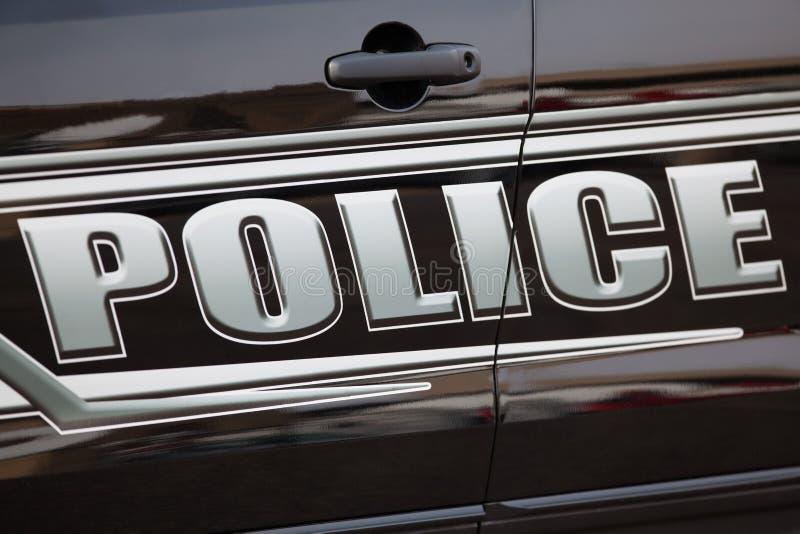 белизна типа полиций cartoonish автомобиля изолированная изображением стоковая фотография