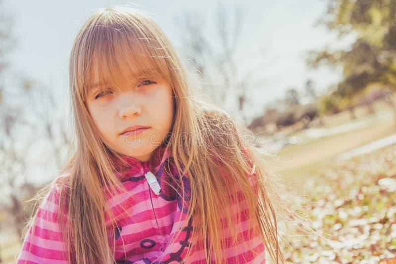 белокурый портрет девушки стоковое изображение rf