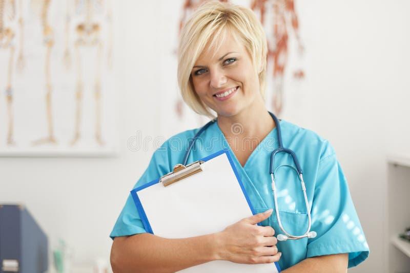 Белокурый хирург стоковые изображения rf