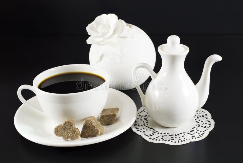 Белые установленные блюда стоковое фото rf