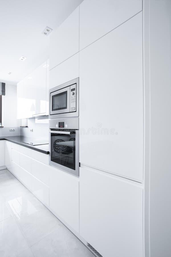 Белый блок кухни стоковые изображения