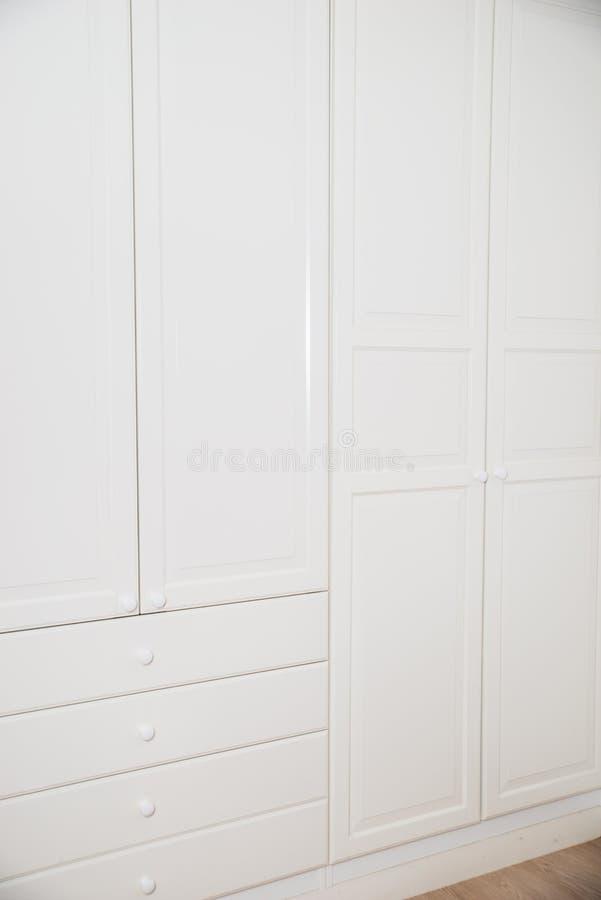 Белый дрессер стоковые фото