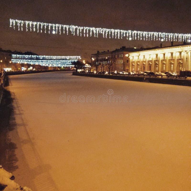 Белый снег на реке Fontanka стоковое изображение rf