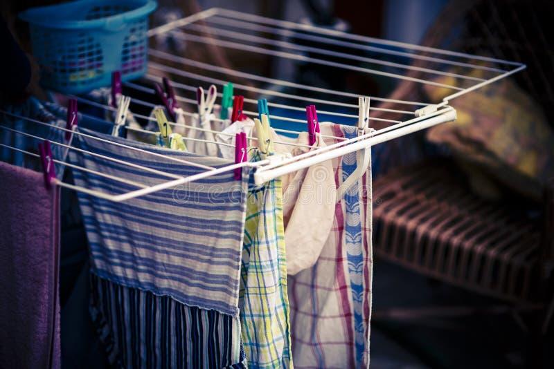 Белый сушильщик одежд стоковое фото rf