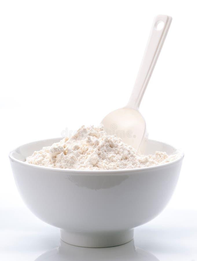 Download Белый шар фарфора с мукой стоковое фото. изображение насчитывающей crockery - 33738944