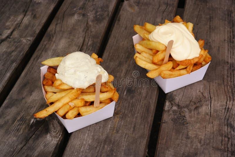 Бельгийские frites pommes стоковая фотография
