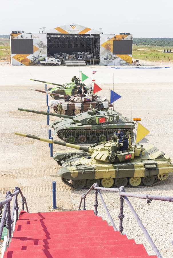 Биатлон танка международных конкуренций стоковое фото rf