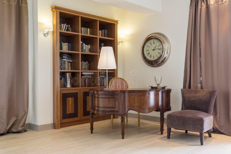 Библиотека и рояль стоковое изображение