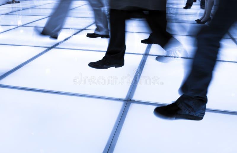 бизнесмены гулять стоковые изображения rf