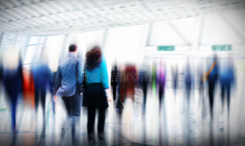 Бизнесмены концепции города часа пик идя коммутируя стоковые изображения rf
