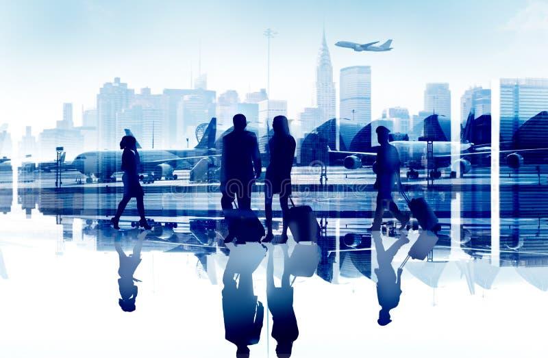 Бизнесмены путешествуют корпоративный пассажирский терминал Conce авиапорта стоковые фото