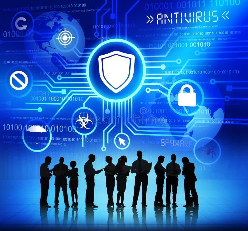 Бизнесмены работая и концепции антивируса стоковые изображения rf