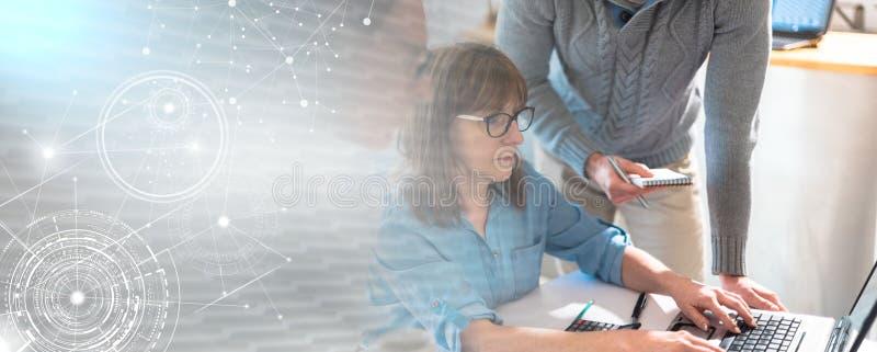 Бизнесмены работая совместно; множественная выдержка стоковое изображение