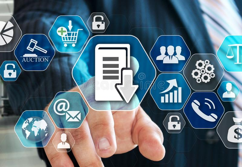 Бизнесмен выбирает систему управления документооборотом, DSM на виртуальном экране в социальном сетевом подключении иллюстрация вектора
