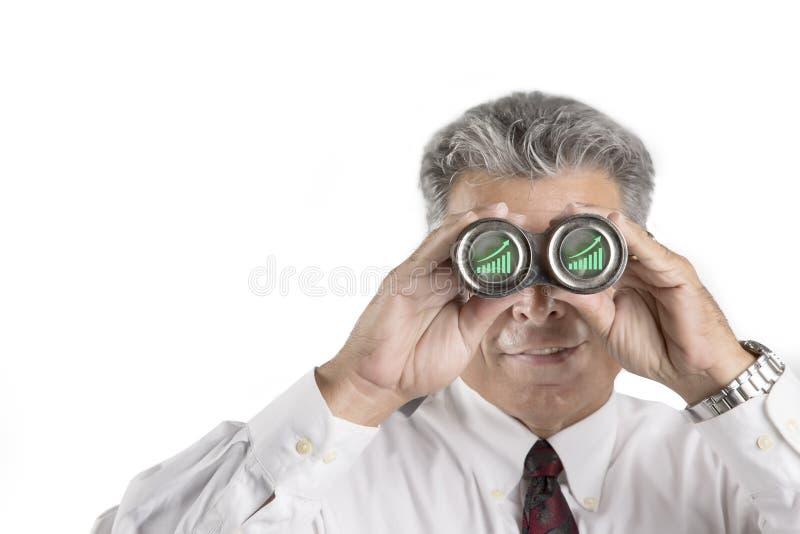 Download Бизнесмен наблюдая его финансы растет Стоковое Фото - изображение насчитывающей зритель, преследование: 41654828