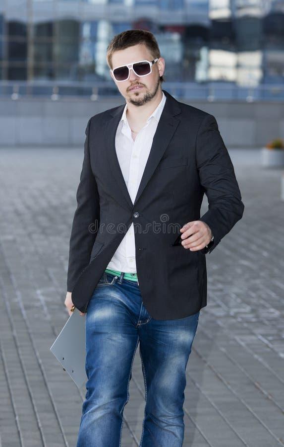 Бизнесмен с бородой стоковое фото