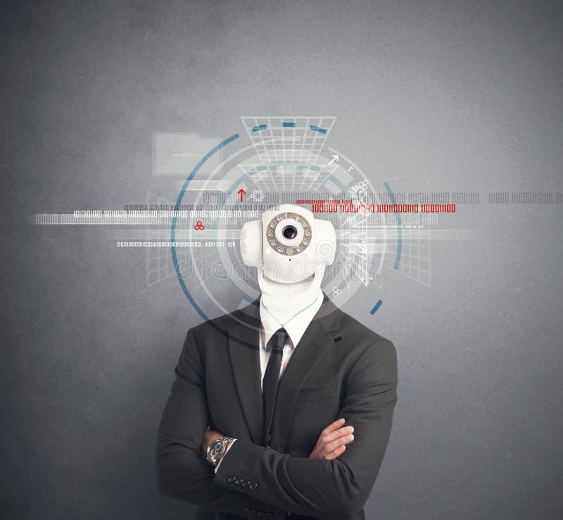 Бизнесмен с камерой слежения стоковое фото