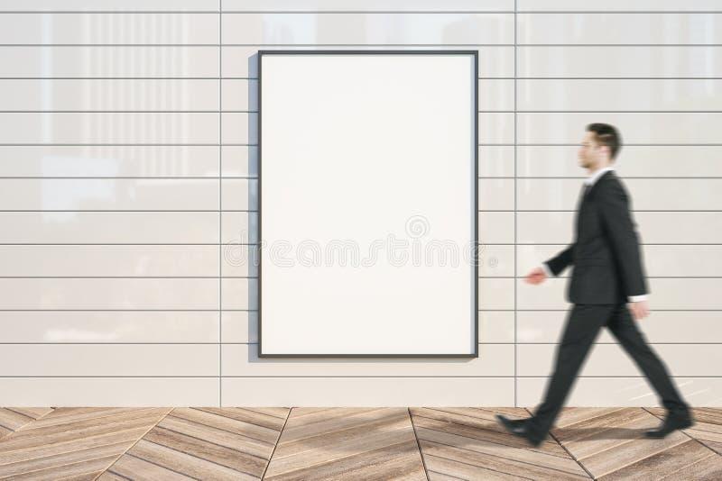 Бизнесмен с пустым знаменем стоковое изображение rf