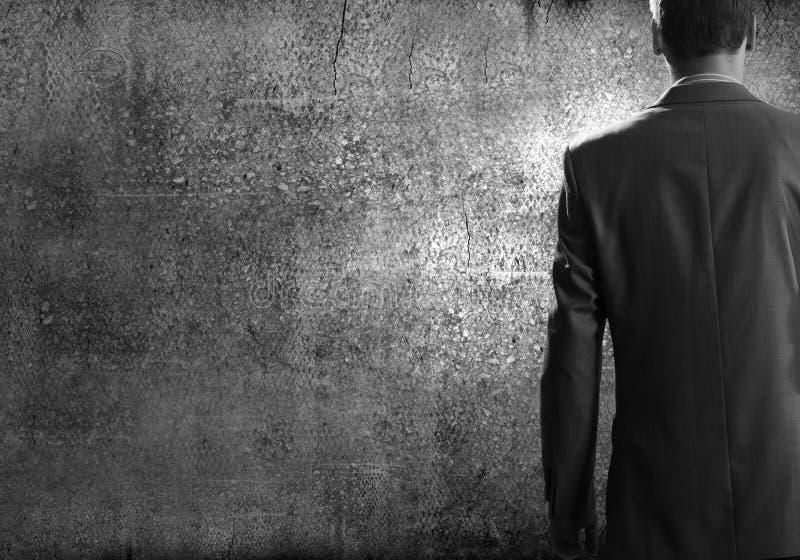 Download бизнесмен уверенно стоковое изображение. изображение насчитывающей мужчина - 41650527