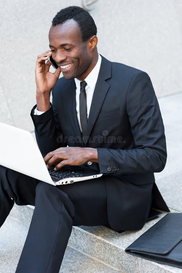 Download бизнесмен успешный стоковое изображение. изображение насчитывающей ворот - 40584639