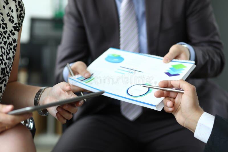 Бизнес-группа диаграммы ручки Собрание диаграммы проблемы стоковые изображения