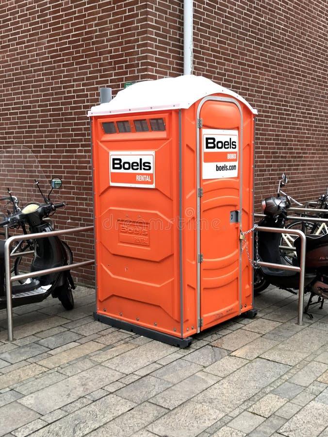 Био-туалет Boels арендный стоковые изображения