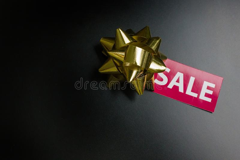 Бирка продажи на черноте пятнице концепции задней части черноты земной стоковая фотография rf